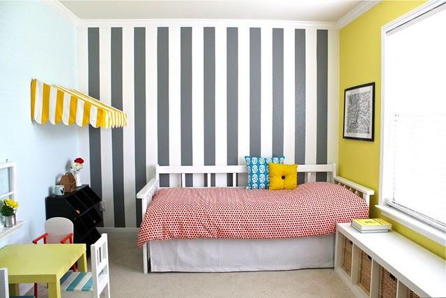papel tapiz de rayas verticales para ampliar espacios