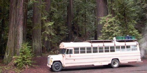 un autobus hecho casa más pequeña