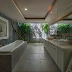 espacios separados en baños