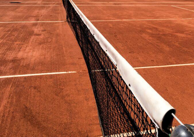 cómo construir una cancha de tenis portada